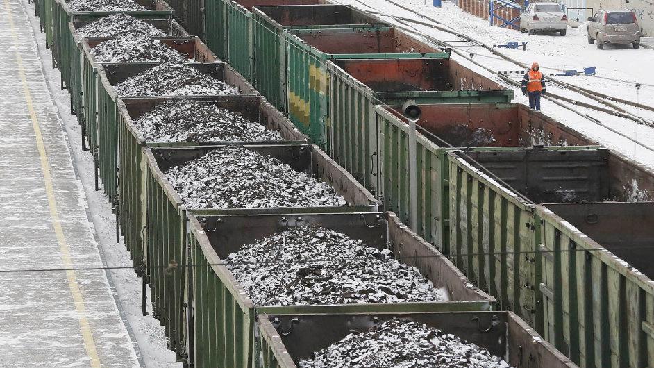 Ruské uhlí: Nikoli nedostatek plynu, ale uhlí, jehož těžba klesla, může v zimě způsobit, že Ukrajina bude mrznout.