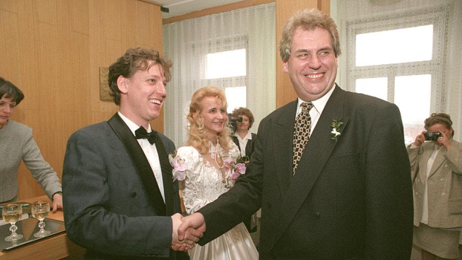 Na Grossově svatbě byl nynější prezident Miloš Zeman za svědka.