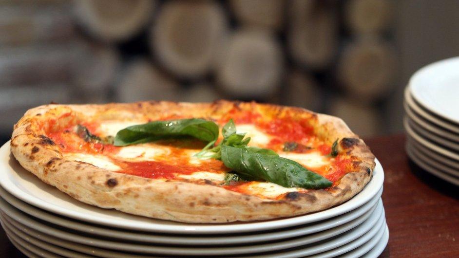 Krabice na pizzu obsahují perfluoroalkylované sloučeniny, které způsobují rezistenci vůči vodě a tuku (ilustr. foto)