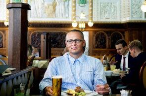 Ombudsman ČSOB Martin Kovář oceňuje v Café Imperial jídlo i ochotu personálu