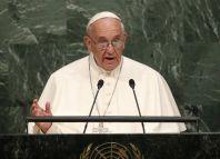 Papež František se ve svém projevu v centrále OSN v New Yorku věnoval uprchlické krizi i světovým konfliktům.