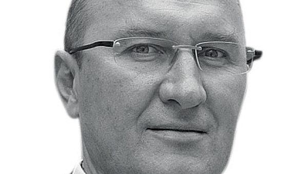 Petr Vyhn�lek