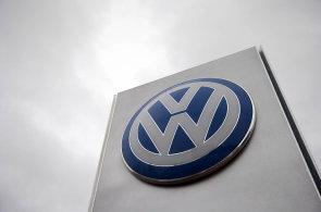 Volkswagen v �esku svol�v� prvn� vozy kv�li Dieselgate. P�ich�z� den D pro VW Golf �i Audi A4