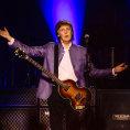 Recenze: Praha za�ila beatlemanii. McCartney hr�l t�m�� t�i hodiny, nechal vybuchnout Westminstersk� pal�c