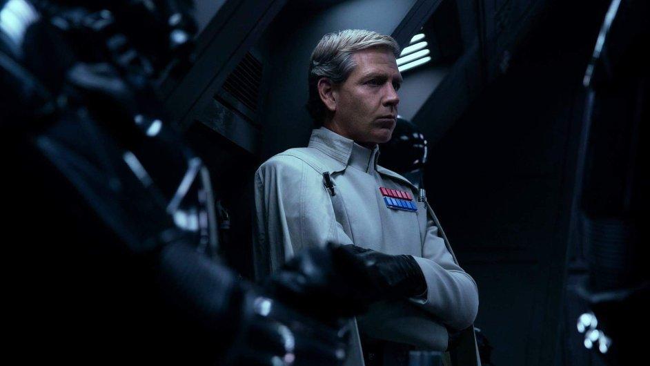 Ben Mendelsohn v novém filmu hraje padoucha jménem Orson Krennic, který má na starosti bezpečnost v Hvězdě smrti.