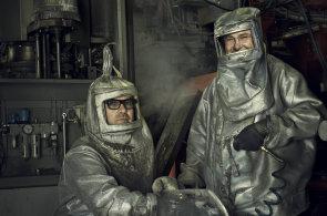 Designérská dvojice Olgoj Chorchoj obrozovala skomírající fabriky. Teď vystavuje v Brně