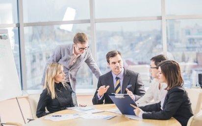 Řídícím pracovníkům často chybí manažerské vzdělání.