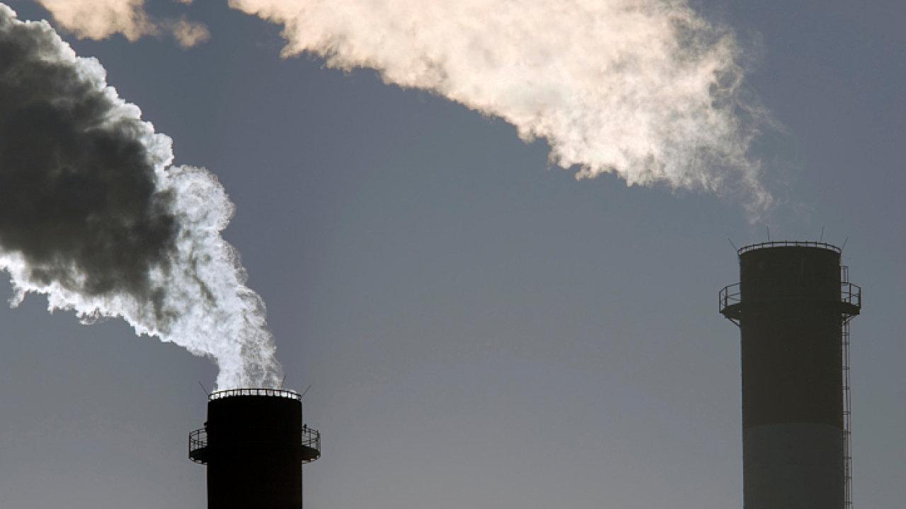 Na dani za emisní povolenky bude možná stát muset vracet miliardy. (Ilustrační foto)