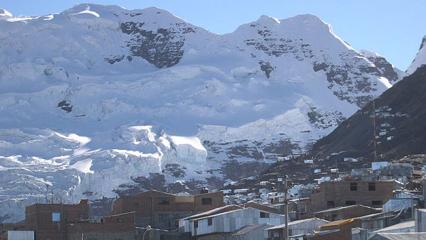Tání ledovců ohrožuje horské město v Peru, místní žalují německý koncern RWE - Ilustrační foto.