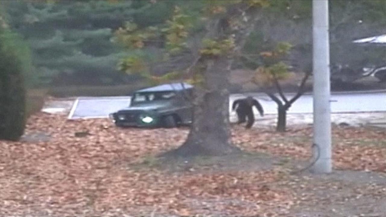 Dramatické video ukazuje útěk severokorejského dezertéra do Jižní Koreje.