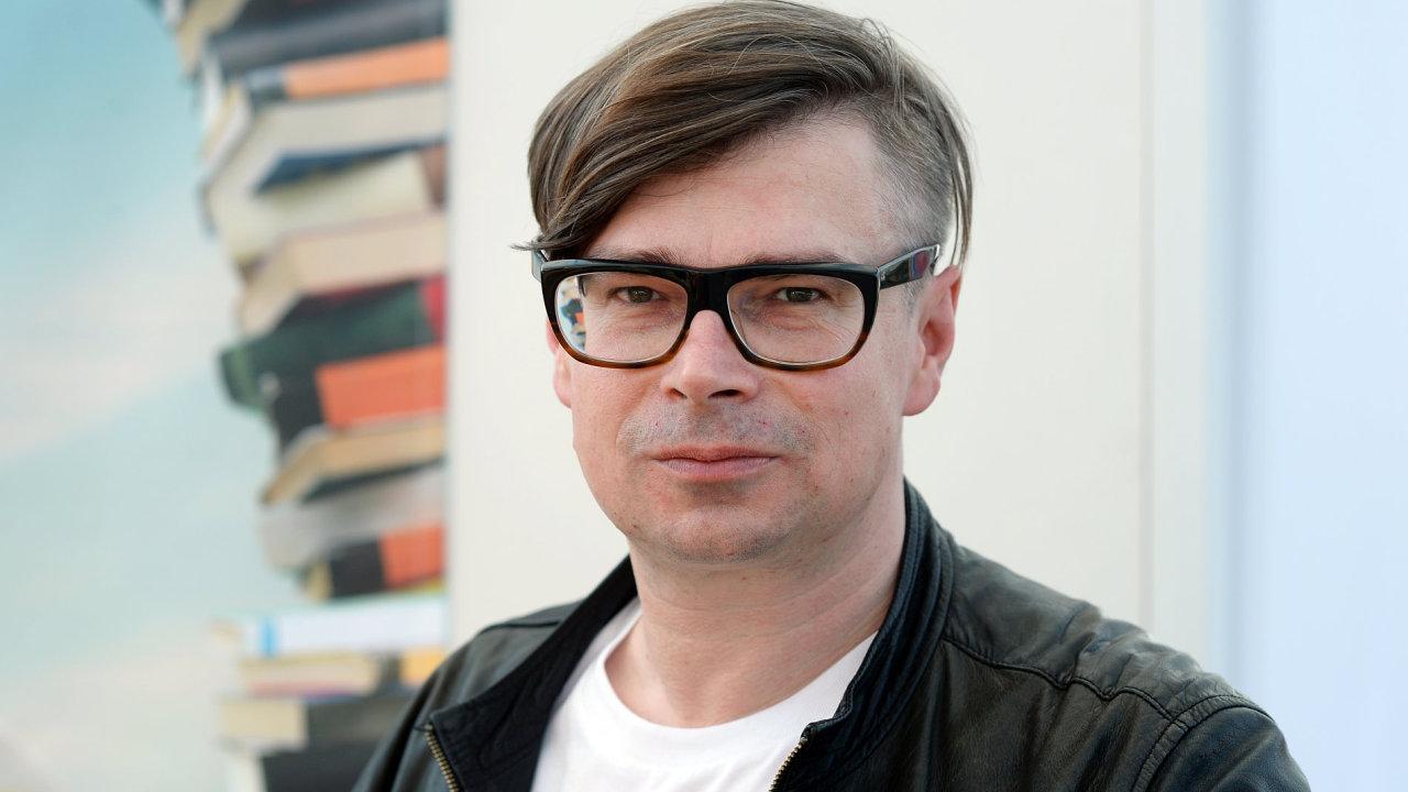 Turnovský rodák Rudiš, který studoval němčinu a historii, žije střídavě v Německu a v Česku.