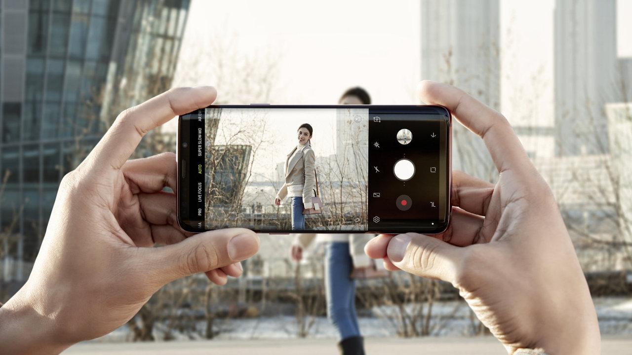Galaxy S9 sází na fotoaparát s proměnlivou clonou
