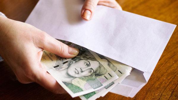 Průměrná mzda v Česku stoupla na 31 851 korun měsíčně.