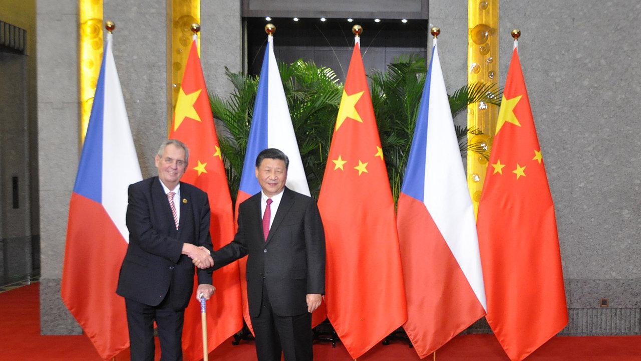 Prezident Miloš Zeman se v Šanghaji sešel se svým čínským protějškem Si Ťin-pchingem.