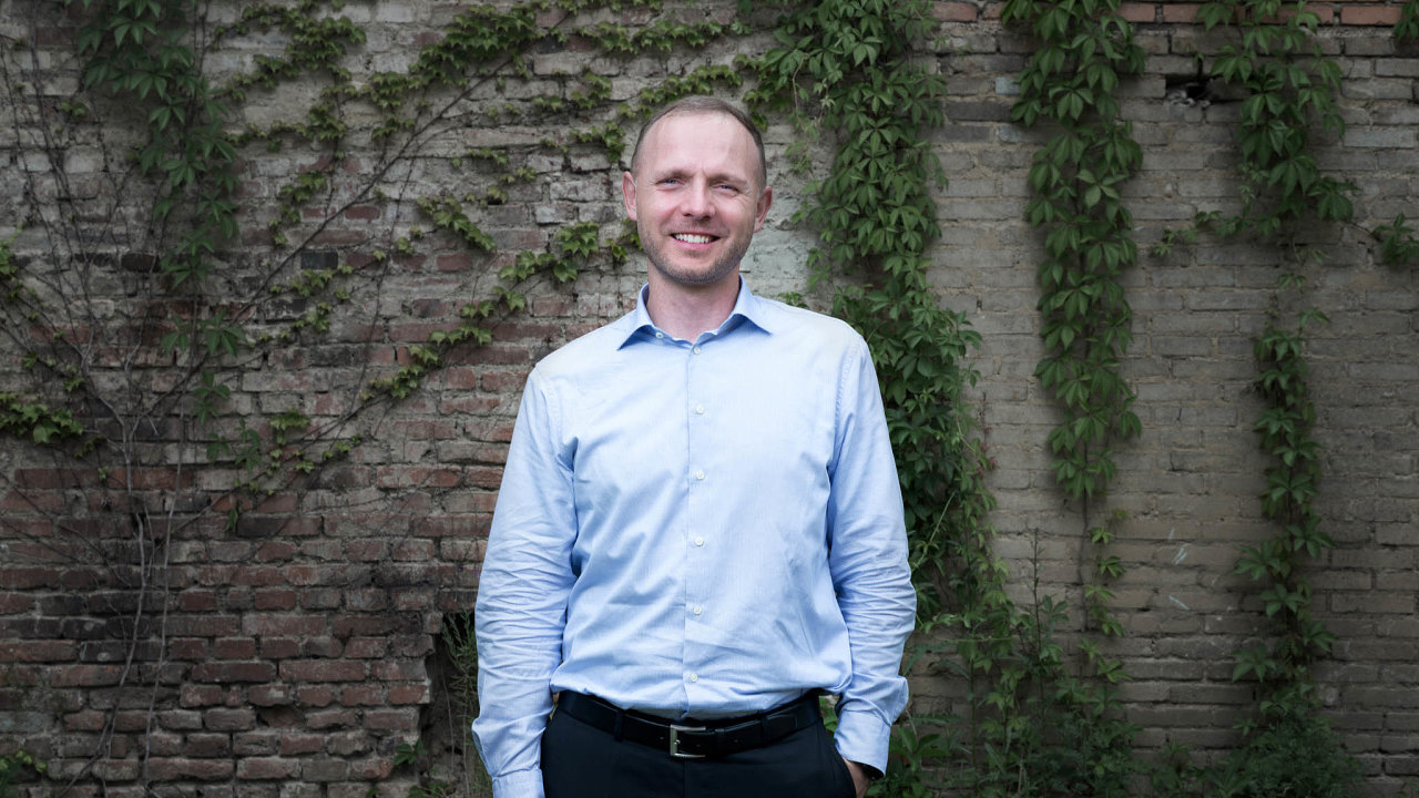 """""""Zesvé zkušenosti mohu říct, že čeští podnikatelé jsou výteční vprezentaci aumí velmi dobře prodávat svůj produkt,"""" říká partner společnosti Deloitte Česká republika Jiří Sauer."""