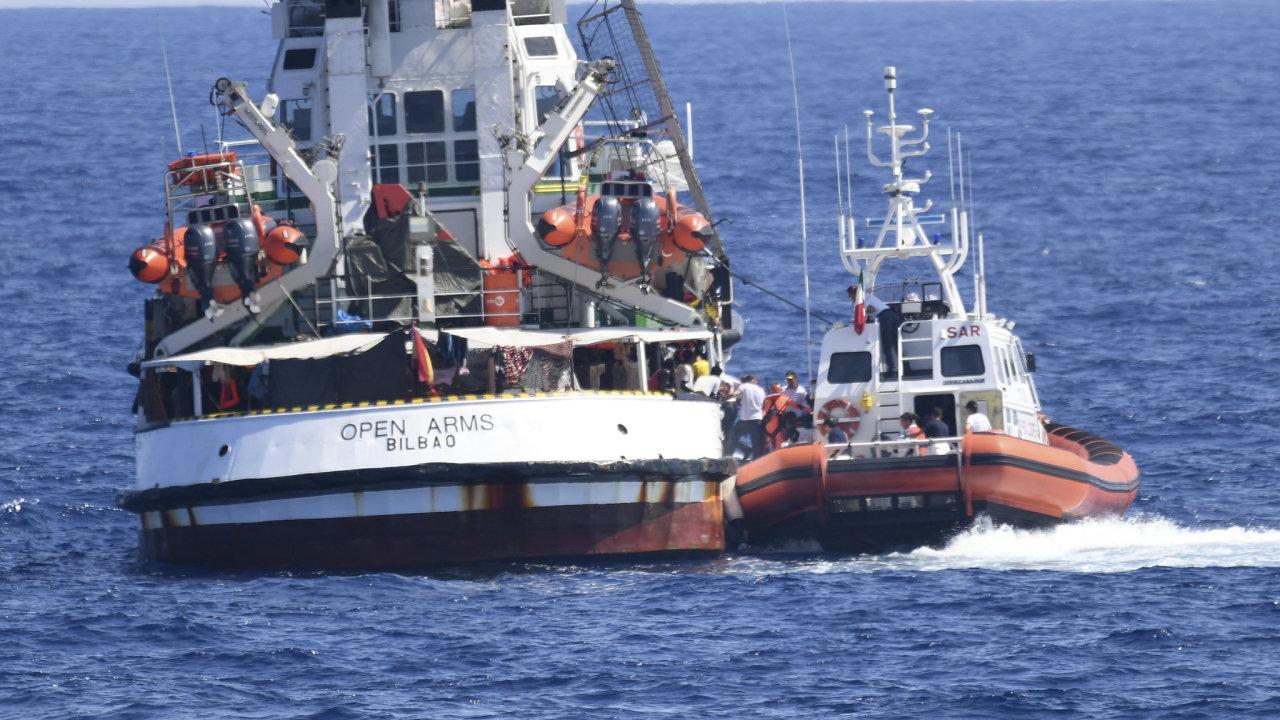 Open Arms loď itálie