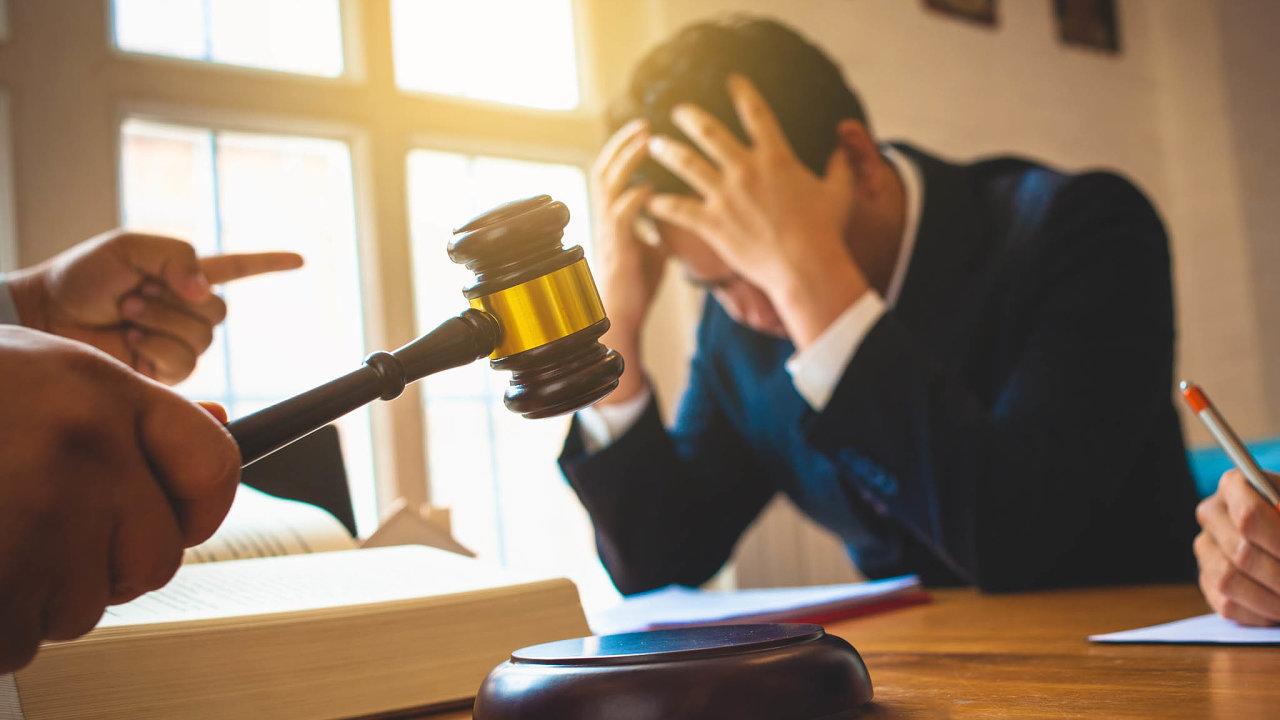 Ulehčit situaci firmám, jejichž zaměstnanci jsou v exekuci, je cílem novely exekučního řádu z dílny ministerstva spravedlnosti.