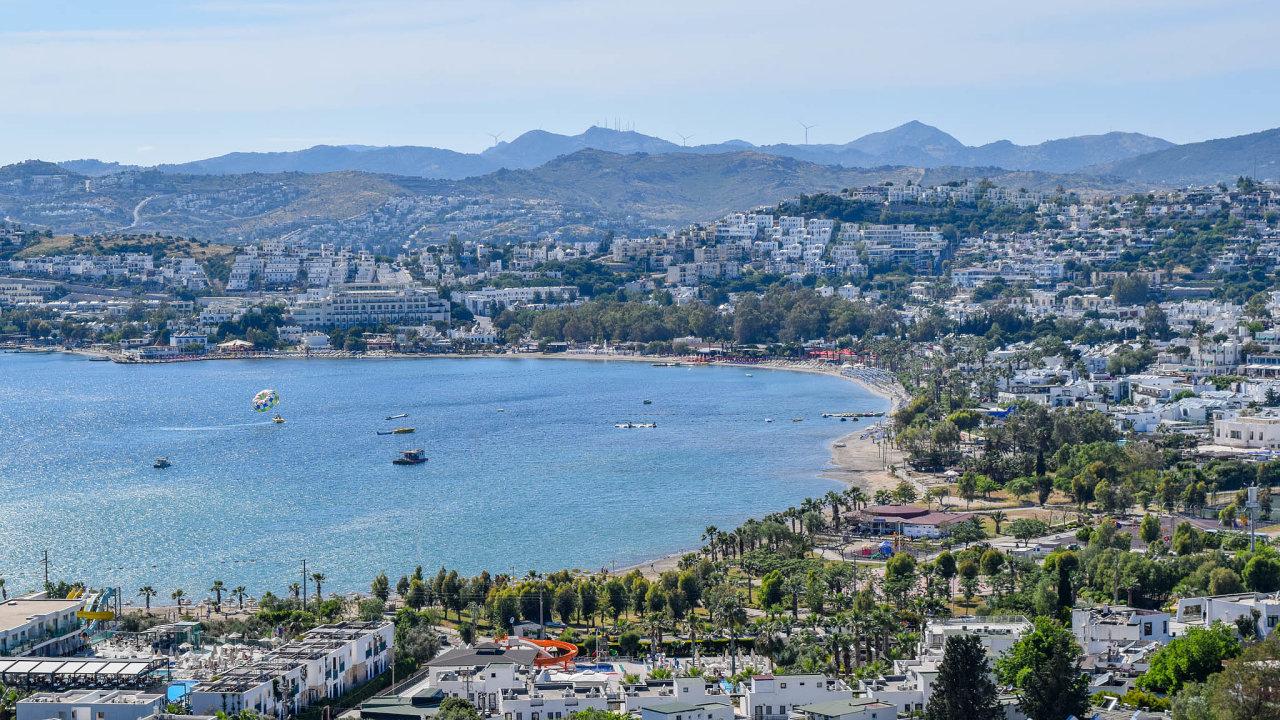 Dopad na hotely: Turecko je spolu se Španělskem zemí, kam mířilo nejvíce turistů se zkrachovalou cestovkou Thomas Cook. Země narozhraní Evropy aAsie chystá pomoc svým hoteliérům.
