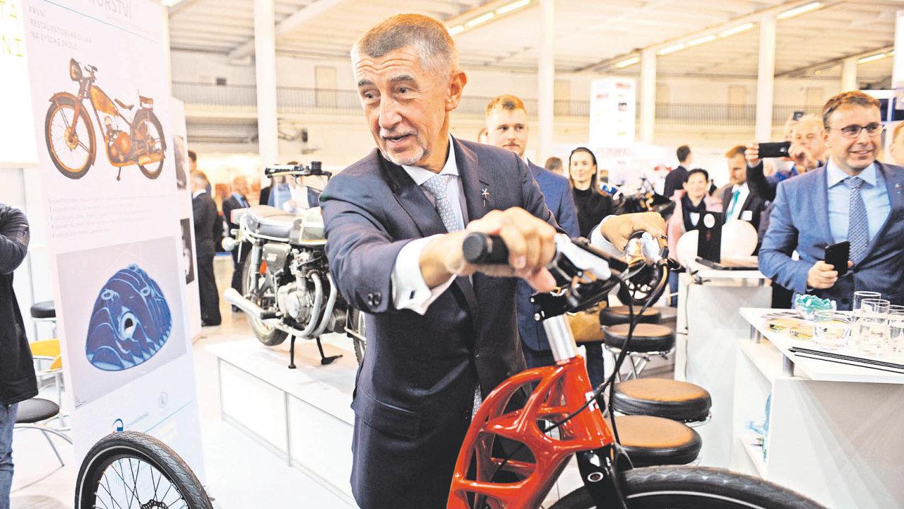 Nabitý program na MSV 2019 dovedl premiéra Andreje Babiše i k tomuto exponátu.