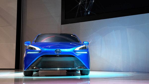 Toyota je jedním zprůkopníků použití vodíkuavyrábí iprvní sériový vůznapalivové články Mirai.