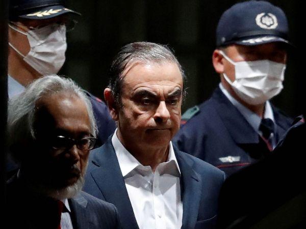 Ve středu se bude vlibanonském Bejrútu konat tisková konference Carlose Ghosna, exšéfa automobilky Nissan. Ten uprchl zJaponska, kde měl stanout před soudem kvůli obvinění zfinančních deliktů.