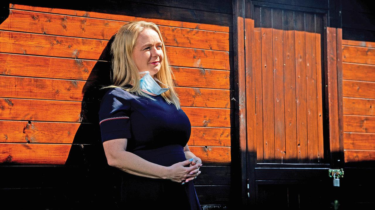 Renata Dubcová pracovala jako sestra jednotky intenzivní péče před patnácti lety, teď založila iniciativu Sestry vzáloze.