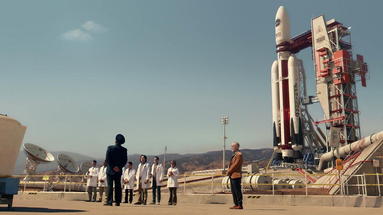Seriál Jednotka vesmírného nasazení je nejpřesvědčivější vobyčejných rozhovorech oničem, kdy se napracovišti rodí partnerské vztahy.