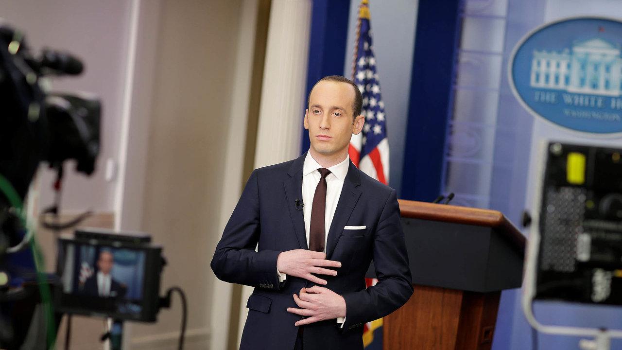 Trumpův mozek.Poradce Stephen Miller má vliv hlavně namigrační politiku USA.