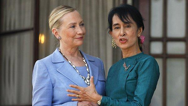 Hillary Clintonová s barmskou disidentkou Su Ťij