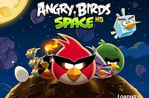 Naštvaní ptáci odstartovali do kosmu: Angry Birds Space slibují zábavu s gravitací