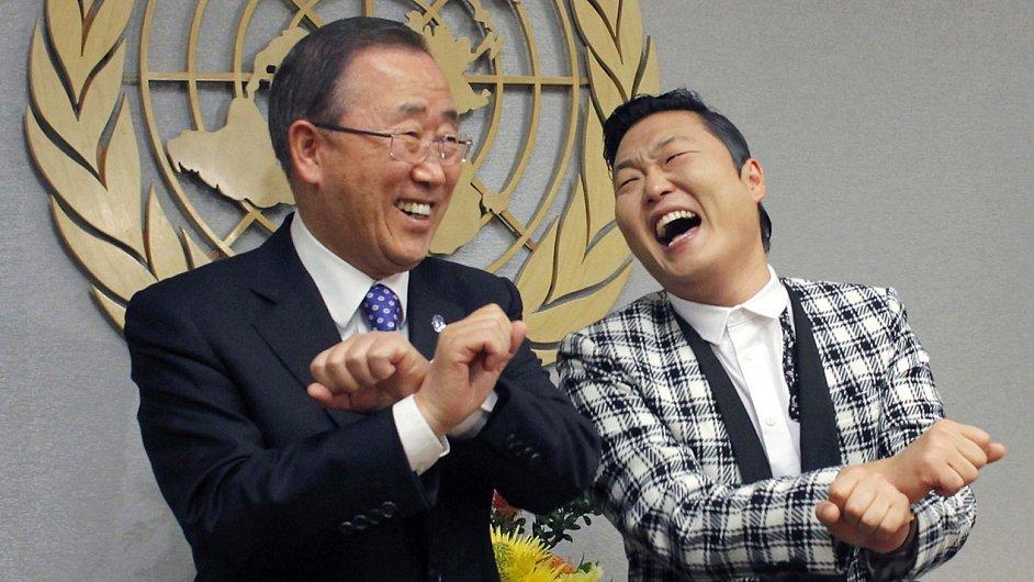 Korejský rapper PSY (vpravo) na návštěvě OSN