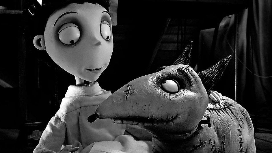 Nový černobílý film Tima Burtona Frankenweenie je natočený s loutkami a stylem stop-motion animace.