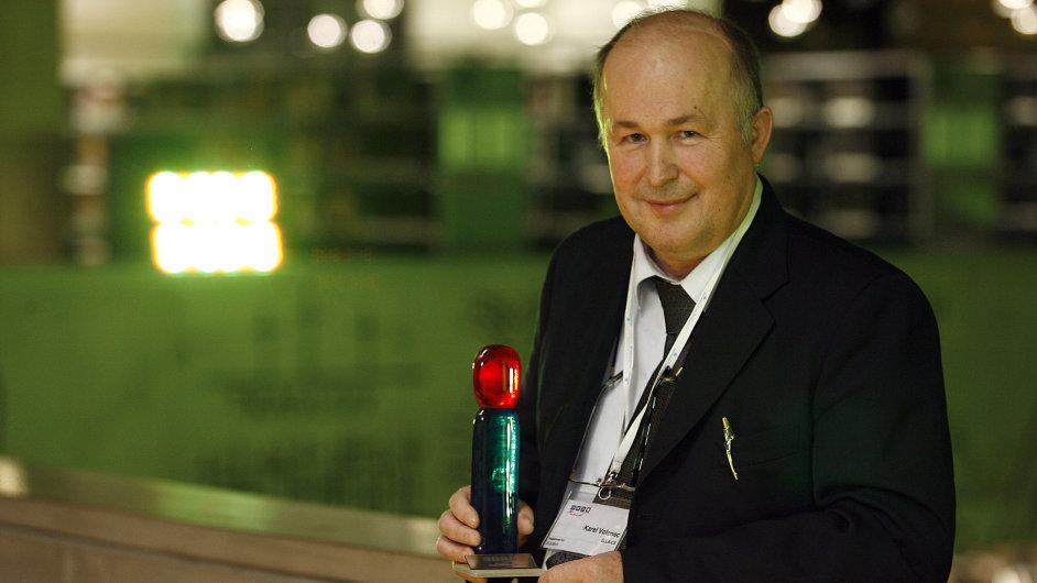 Festival Česká inovace v Národní technické knihovně. Na snímku celkový vítěz Karel Volenec z firmy ELLA-CS za Degradailní jícnový sten s degradabilním potahem