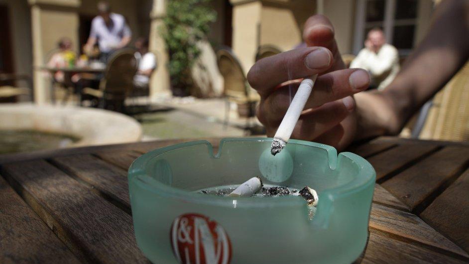 Hnutí ANO chce celoplošně zakázat kouření v restauracích (ilustrační foto)