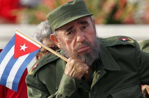 Od nad�jn�ho baseballisty po ob�van�ho dikt�tora. Kuba chyst� mohutn� oslavy na devades�tiny Fidela Castra