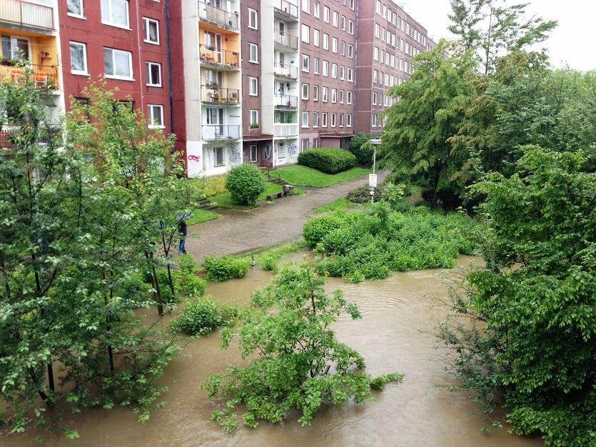 Voda u sídliště Cukrovar v Kralupách nad Vltavou ve Středočeském kraji