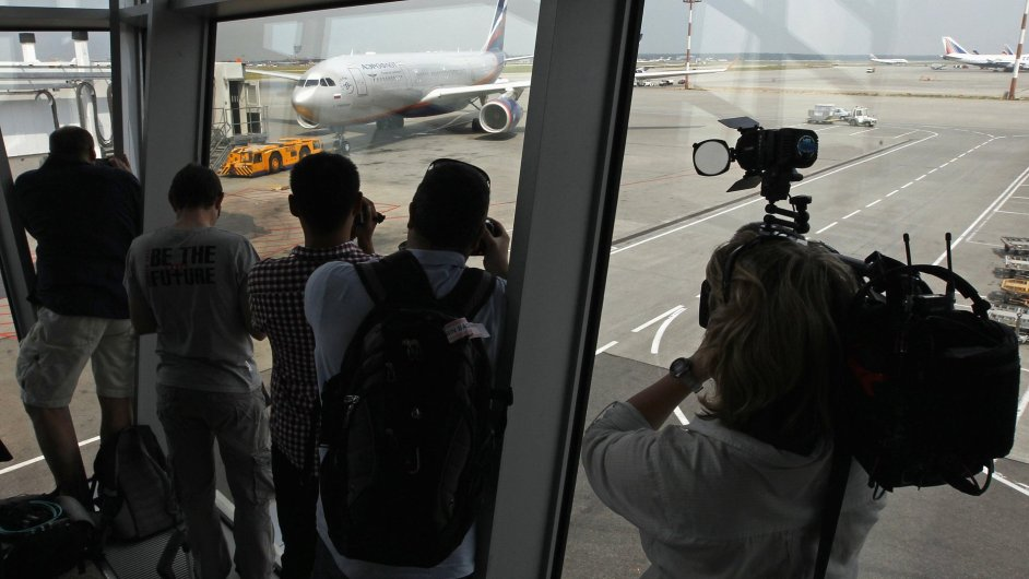 Novináři neúnavně sledují každé letadlo, které z Šeremetěva odlétá na Kubu.