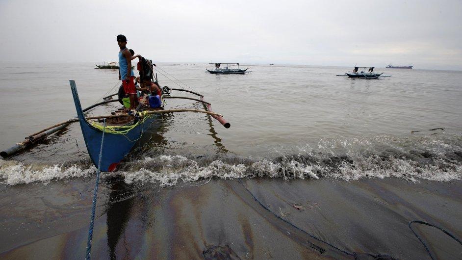 Ropná skvrna na Filipínách