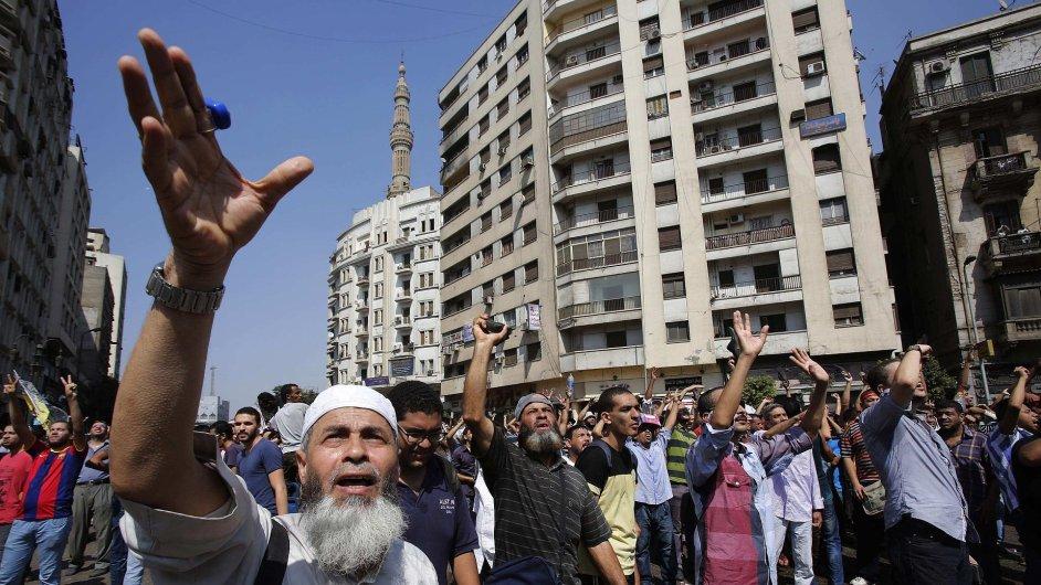 Po pochodu zloby je v Egyptě nejméně 80 mrtvých.