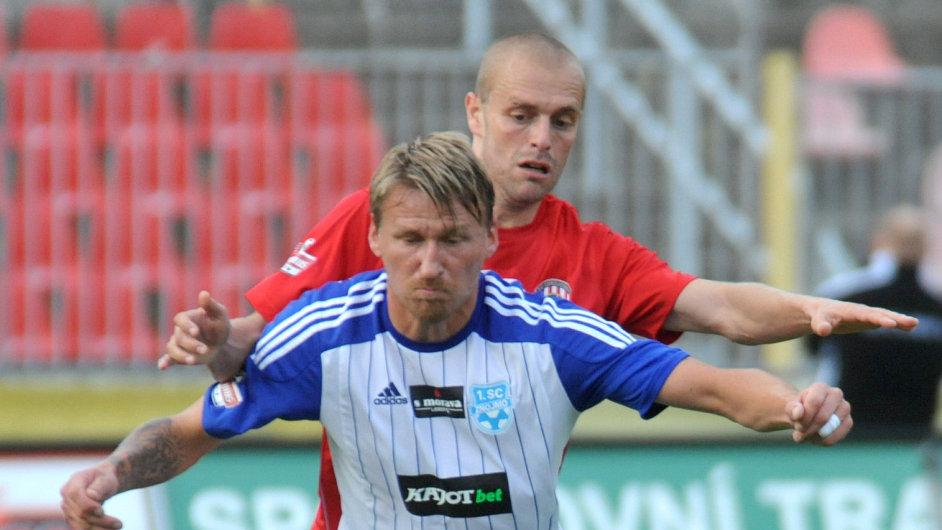 Marek Heinz (vpředu) ve Znojmě končí