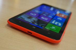 Nokia mile překvapila s cenou Lumie 1320: Obr s HD displejem stojí 9 tisíc korun a není zlý
