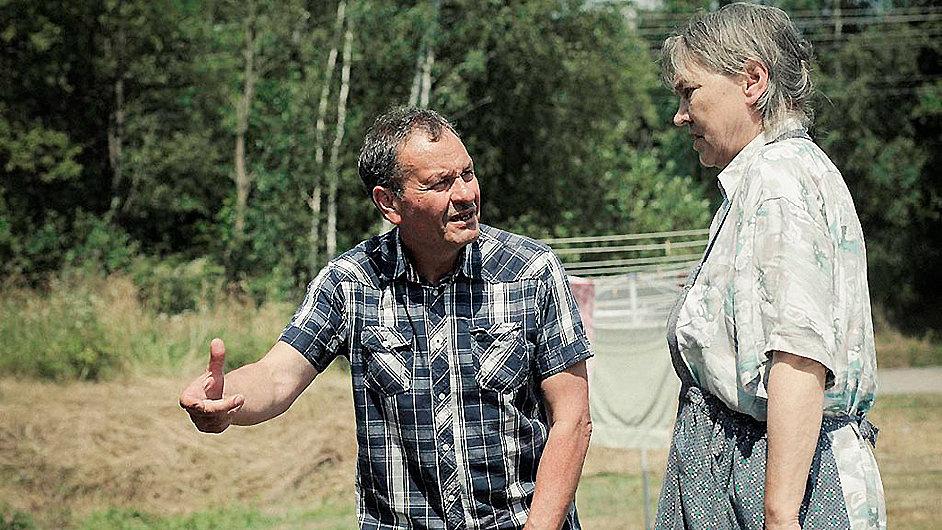 Miroslav Krobot při natáčení filmu Díra u Hanušovic