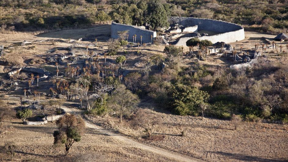 Ruiny Velkého Zimbabwe jsou sice dobře zachovalé, ale o původu a funkci sídla panují dodnes pochyby.