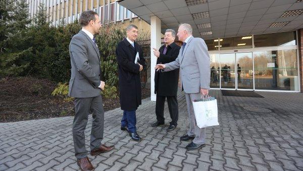 Ministr financí Andrej Babiš společně se zástupci vedení OKD