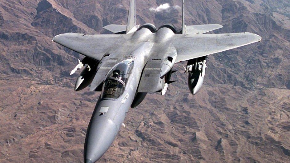 F 15, letoun