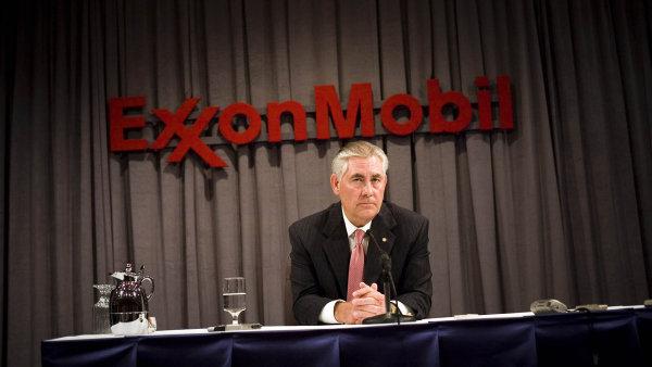 Rex Tillerson si v čele ExxonMobilu jen na platu vydělal přes 240 milionů dolarů před zdaněním. Jeho jmění se nyní odhaduje na 150 milionů dolarů.