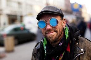 Tři příběhy: Už několik let vystupuji jako bavič na Staroměstském náměstí. A nenudím se...