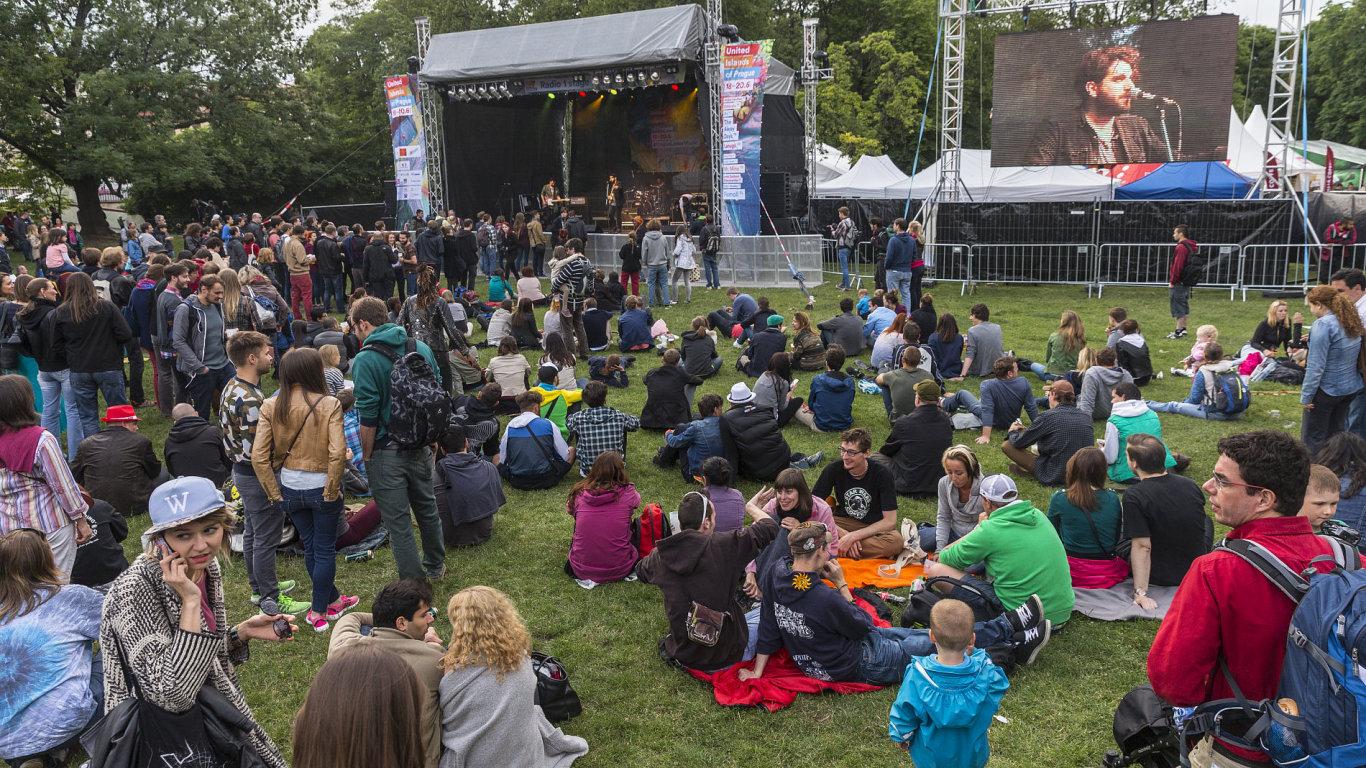 Jedna z tradičních scén United Islands stávala na pražské Kampě. Letos se festival bude stěhovat.