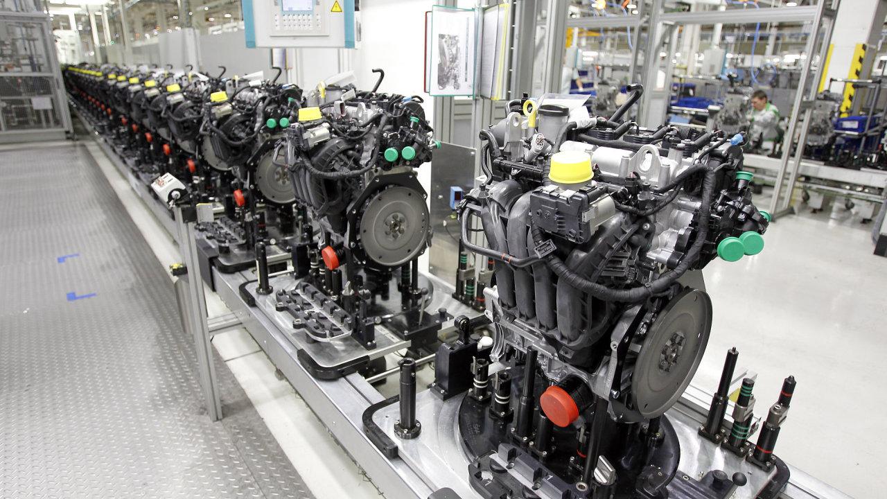Motorárna - výroba automobilových motorů v automobilce Škoda Auto v Mladé Boleslavi. Na snímku benzinový čtyřválec používaný v nové Škodě Fabia
