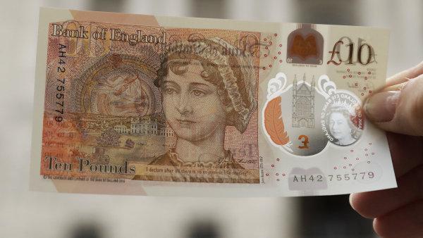 V Británii se začne platit plastovými desetilibrovkami.